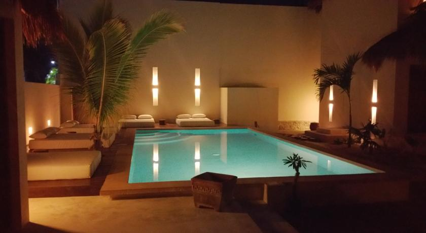 pool in the night in holbox island - boutique hotel tierra del mar